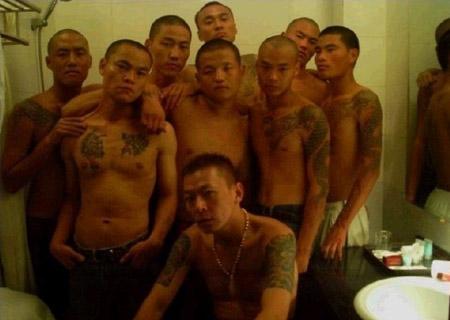 国内县城级黑社会份子的罕见照片(组图)