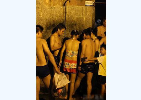 深圳海滨浴场混浴