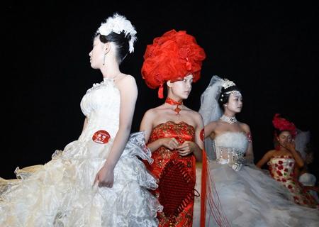 中式婚纱模特架